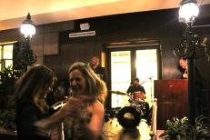 2 nov. 2018 - Georgette LeBlanc et son amie de longue date Nicole Boudreau, professeure à l'Université du Maine à Fort Kent, dansent sur les rythmes irrésistibles de Sunpie Barnes and the Louisiana Sunspots.