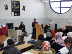 Aicha Chekalil (Département d'italien), coresponsable de l'organisation du colloque, souhaite la bievenue aux participantes et participants.